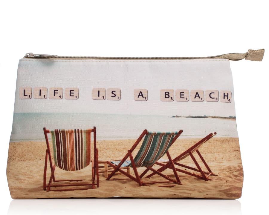 "Shelas Kulturbeutel ""Beach Chair in the Sand"""