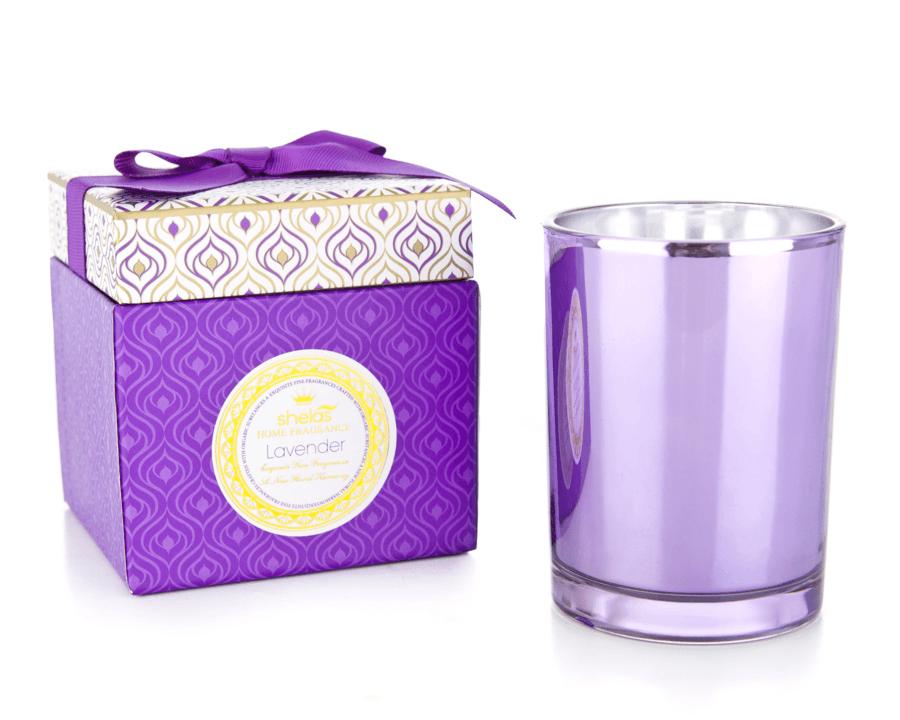 Shelas Purple Lavender Duftkerzen in einer attraktiven Geschenkbox mit Schleife